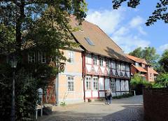Historisches Fachwerkgebäude beim Kloster in Lüneburg.