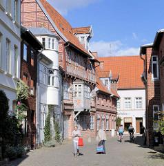 Historische Architektur, Fachwerkgebäude in Lüneburg; ca. 1300 denkmalgeschützte Gebäude gibt es in der Salzstadt / Hansestadt  Lüneburg.
