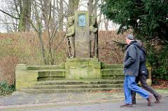 Denkmal Johanna Stegen - half den preussischen Füsilieren bei Kämpfen gegen die französischen Besatzern bei der Munitionsversorgung.