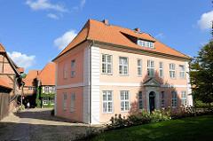 Gästehaus Kloster Lüne - ehemaliges Benediktinerinnenkloster und heutiges evangelisches Damenstift in Lüneburg; gegründet 1172 - nach einem Großbrand 1380 in Backsteingotik wieder aufgebaut.