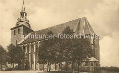 Historisches Motiv von ca. 1920 der Lüneburger St. Michaeliskirche; Grundsteinlegung der Kirche 1376 - Turmbau 1434.