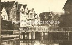 Blick über die Ilmenau zum Stinmarkt in Lüneburg - altes Foto, ca. 1900.
