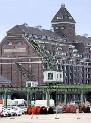 Getreidespeicher am Westhafen in Berlin - Industriearchitektur, Klinkergebäude der 1920er Jahre - jetzt Sitz der Zeitungsabteilung der Staatsbibliothek Preußischer Kulturbesitz.