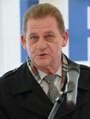 Rede vonStephan Albrecht, Leiter Betriebsinspektion der HPA zur Taufe des Seilgreifbaggers Modi an der Hamburger Überseebrücke.