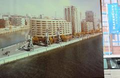 Geplante Bebauung vom Strandkai an der Elbe in der Hafencity Hamburg.
