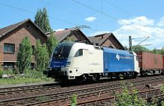 E-Lokomotive der Wiener Lokalbahnen Cargo GmbH - Lok ES 64 U2 027 in Hamburg Wilhelmsburg.