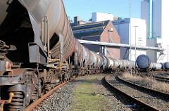 Güterzug mit Kesselwagen auf dem Rangierbahnhof Hohen Schaar in Hamburg Wilhelmsburg.