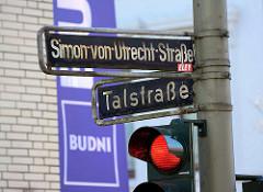 Strassenschilder Simon-von-Utrecht-Straße und Talstrasse - Bilder aus Hamburg Sankt Pauli.
