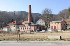 Altes Elektrizitätswerk - e-Werk in Sassnitz auf Rügen - historische Industriearchitektur, hoher Ziegelschornstein - jetzt Herberge des Kreisdiakonischen Werks Stralsund.
