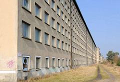 Leerstehende Gebäude - KdF Ferienanlage Prora auf Rügen / Ostsee.