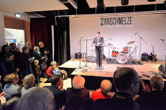 Eröffnungsrede der neuen Zinnschmelze in Hamburg Barmbek - Redner Gunther Adler, Staatssekretär im Bundesministerium für Umwelt, Naturschutz, Bau und Reaktorsicherheit.