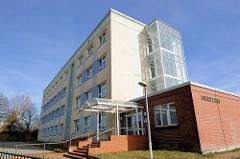 Plattenbau, Verwaltungsgebäude - ehem. Finanzamt in Bergen auf Rügen
