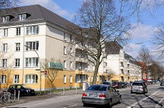 Wohnhäuser mit farbig abgesetzter Fassade im Hamburger Stadtteil Hamm.