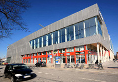 Neubau an der Langenhorner Chaussee - Autohaus + Geschäfte; Einweihung 2015.