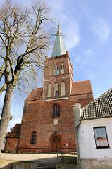 St. Marien Kirche in Bergen auf Rügen - Baubeginn um 1180 als romanische Basilika.