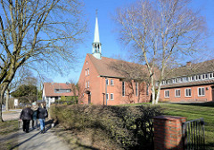 Broder Hinrick Kirche der Fritz Schumacher Siedlung in Hamburg Langenhorn / Tangstedter Landstrasse.