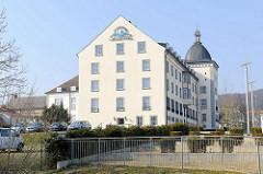 Kurhotel Sassnitz - ehem. Seemannsheim - 1954 erbaut; 1994 zum Hotel umgebaut.