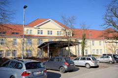 Historische Architektur - Krankenhausgebäude in Hamburg Langenhorn. Restaurierte historische Architektur, Krankenhaus Ochsenzoll /  Asklepios Klinik Nord-Ochsenzoll