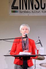 Eröffnungsrede der neuen Zinnschmelze in Hamburg Barmbek - Rednerin Kultursenatorin Prof. Barbara Kisseler, Kulturbehörde der Freien und Hansestadt.