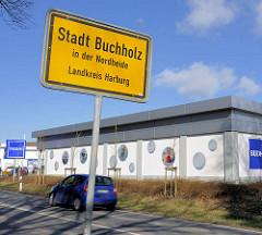 Ortsschild Stadt Buchholz in der Nordheide, Landkreis Harburg / Soltauer Strasse.