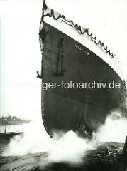 Stapellauf der Imperator - ehem. größtes deutsches Passagierschiff, gebaut auf der Hamburger Vulkanwerft, Länge 272,70m.
