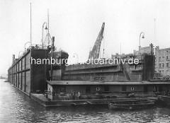 Schwimmdock mit dem Dampfschiff Cap Verde auf der Schiffswerft Blohm & Voß in der Hansestadt Hamburg.
