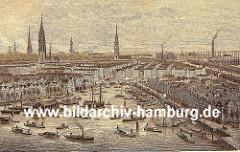 Hamburg Panorama - Blick über den Binnenhafen zur Hamburger Innenstadt mit den Kirchtürmen der Hauptkirchen St. Petri, St. Nikolai, St. Jacobi und St. Katharinen - ganz rechts in der Bildmitte der Schornstein der Hamburger Gasanstalt.