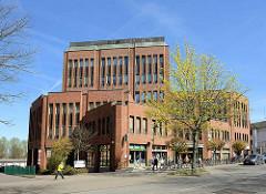 Moderner Verwaltungsbau - Ärztehaus Rosengarten