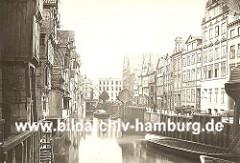 das Holländisch Brook wurde ca. 1560 zum ersten Mal erwähnt - es wurde damals das Wohngebiet von emigrierten Holländern - die Winden am Kaiufer zeugen in ihrer Form noch vom Holländischen Ursprung.