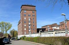 Wasserturm der Fa. Möller in Wedel - erbaut 1943; Backsteingebäude - Fassungsvermögen 300 m³