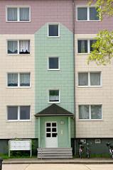 Sanierte Plattenbauten - mehrstöckige Wohnhäuser in Dömitz, Landkreis Ludwigslust-Parchim.