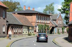 Wohnhäuser an der Ludwigsluster Strasse in Dömitz, Ziegelgebäude.