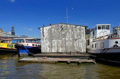 Arbeitsboot / Hausboot im Binnenhafen Hamburgs - Barkassen.