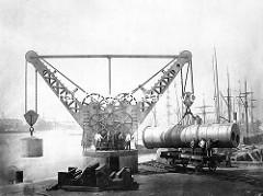 Hafenkran am Grasbrookkai - Tragfähigkeit von 800 Zentnern.