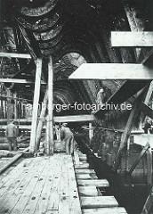 Historische Aufnahme - Bau des Turbinendampfers IMPERATOR auf der Hamburger Vulkanwerft.
