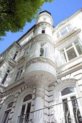 Jugendstilstuck - Hausfassade; Wohnhaus in HH-Hohenfelde  - Architekturbilder der Hansestadt Hamburg.