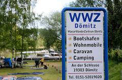 Schild Wasser Wander Zentrum Dömitz - Bootshafen, Wohnmobile, Caravan, Camping am Müritz Elde Kanal.