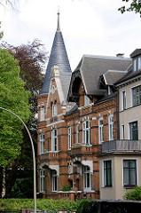 Backsteinvilla mit Turm - Stadtvilla in Hamburg Hohenfelde, Gründerzeitarchitektur.