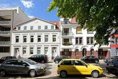 Wohnhäuser in unterschiedlichen Baustile / Fassadengestaltung - Bozenhardweg in Hamburg Hohenfelde.