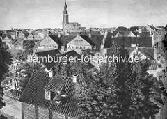 Historische Darstellung Hamburgs, Blick über die Dächer der Stadt Richtung Michaeliskirche - ca. 1800.