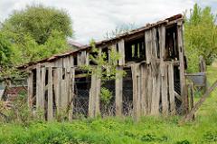 Verfallene Holzscheune - Holzbretter; Fotos aus dem Wendland.