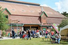 Wulksfelder Bauernmarkt - Scheune auf dem Gutshof.
