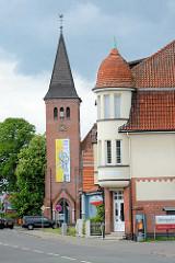 St. Agneskirche in Lüchow - katholische Kirche, fertiggestellt 1914 - neugotischer Backsteinbau.