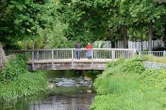 Holzbrücke - Fussgängerbrücke über die Drawehner Jeetzel.