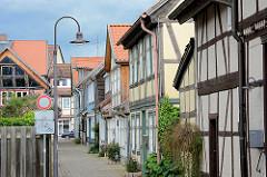 Alte Fachwerkhäuser in der Bleicherstrasse - im Hintergrund die Lange Strasse von Lüchow.