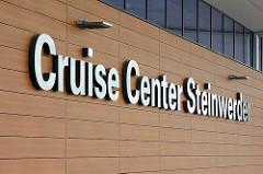 Cruise Center Steinwerder im Hamburger Kaiser-Wilhelm-Hafen; Eröffnung des Terminalgebäudes am 09.06.15 am Kronprinzenkai.