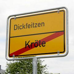 Ortschild Dickfeitzen, Ortsende Kröte.