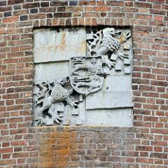 Wappen eingelassen in der Mauer vom Lüchower Amtsturm -
