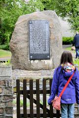 Gedenkstein / Findling - Für unsere Gefallenen - Die Gemeinde Büblitz im Wendland.