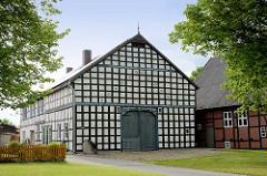 Restaurierte Fachwerkscheune - Wohngebäude, Wirtschaftsgebäude in Luckau / Wendland.
